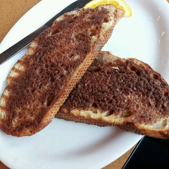 Old Fashioned Cinnamon Toast @ mokka