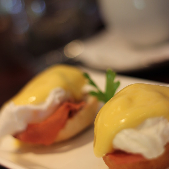 Eggs Benedict @ Butchershop Bar & Grill
