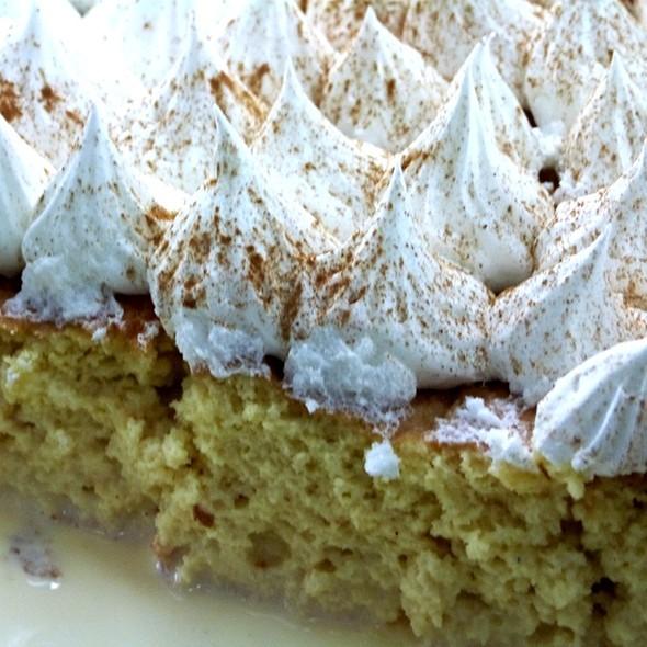 Torta De Tres Leches @ La Dulce Esquina Pastelería