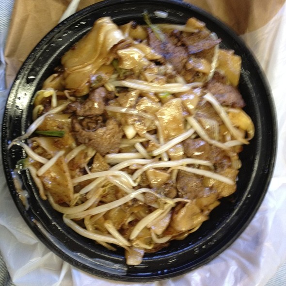 Beef Chow Fun @ China Boy