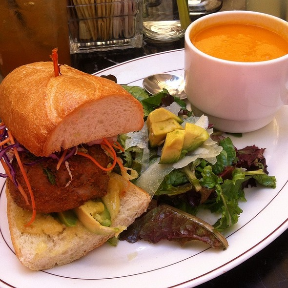 El Nino Combo With Crab Cake Sandwich @ Arts & Letters Cafe