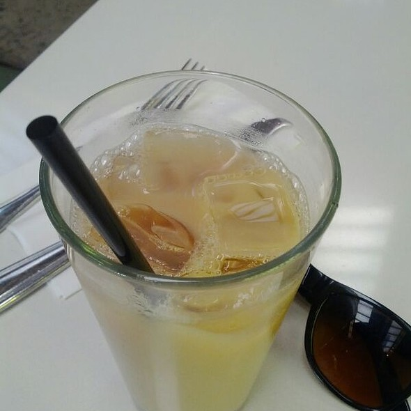 Iced Milk Tea @ Royal/T