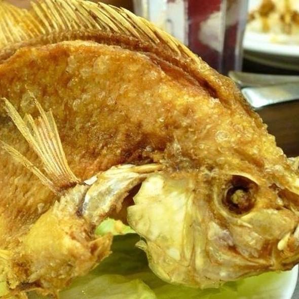 Ikan Nila Goreng @ Tambuah Mas Indonesian Restaurant (Paragon)