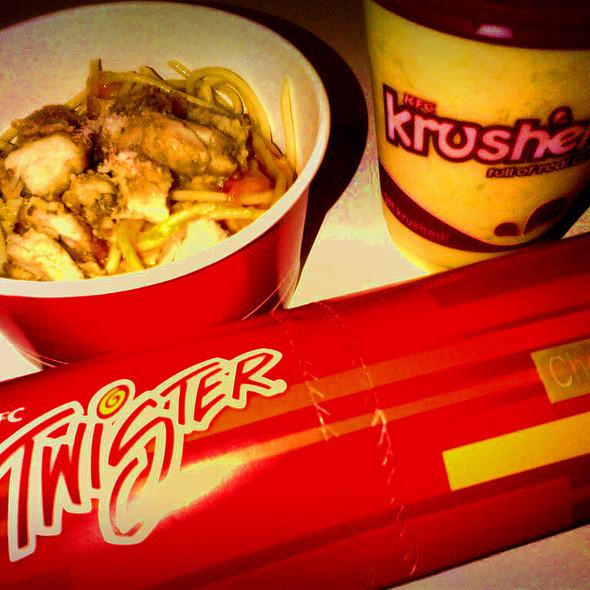Creamy Tomato pasta bowl @ KFC