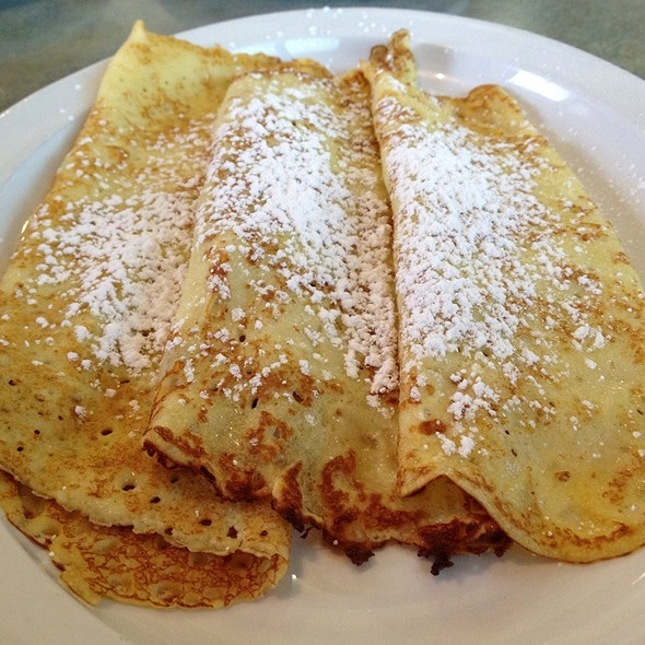 Classic Crepes @ Broadway Cafe