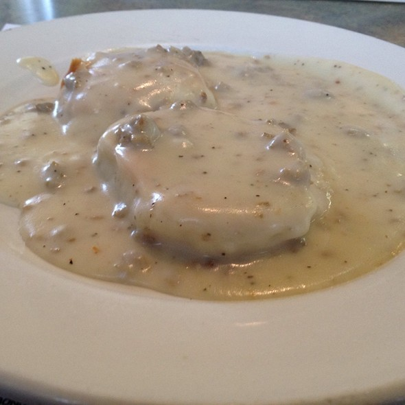 Half Biscuits And Gravy @ Broadway Cafe