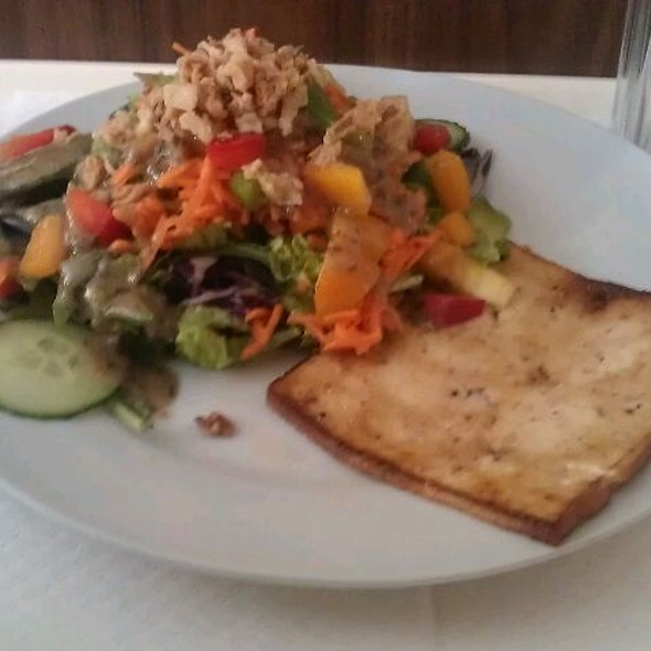 Salad w/tofu @ Gorilla Vega Büfé