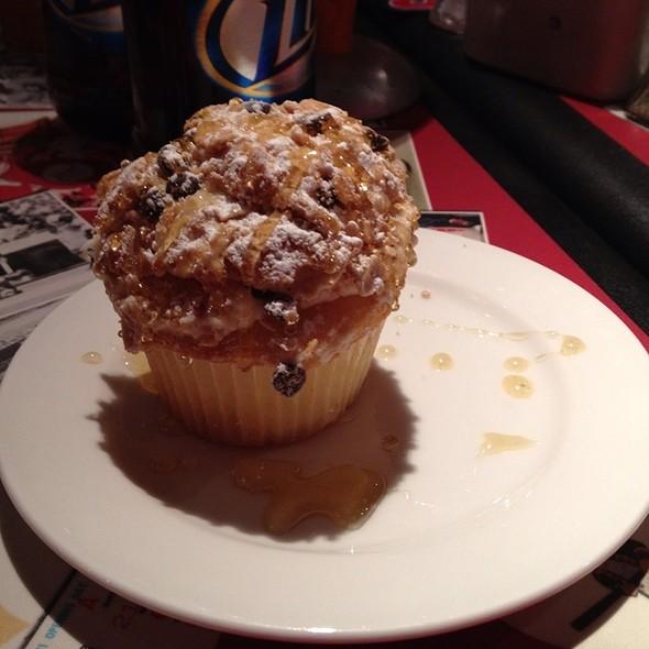 Cannoli Cupcake @ Diamond Club Citizens Bank Park