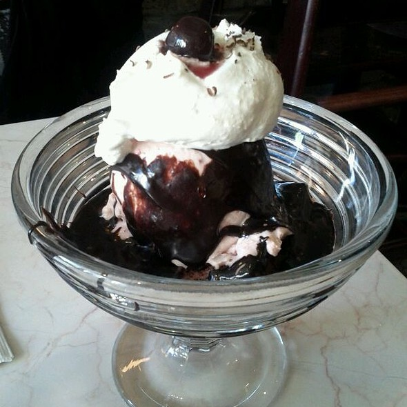 Brownie Sundae @ Chocolate Room