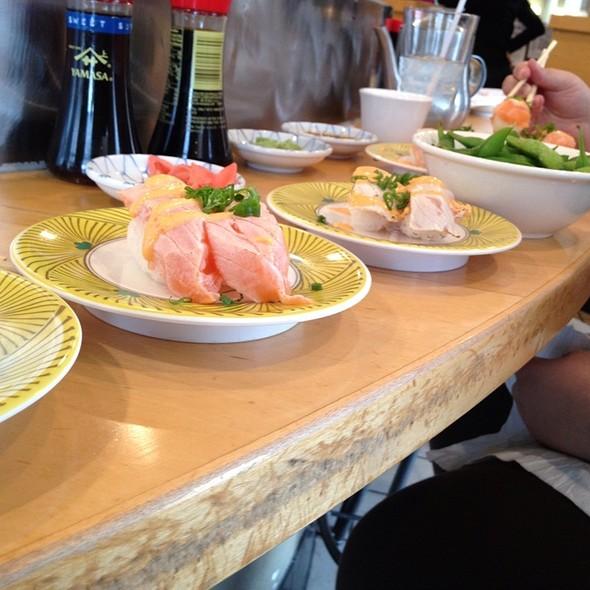Sushi @ Kinjo Sushi