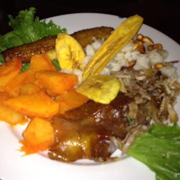 Foodspotting for Achiote ecuador cuisine