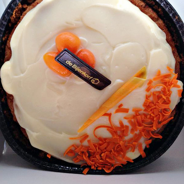 Carrot Cake @ de bijenkorf, dam square