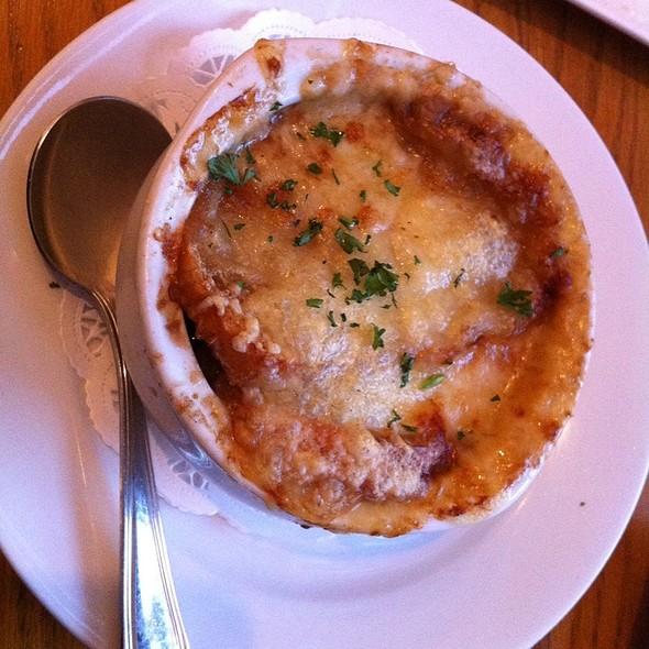 French Onion Soup @ La Bergamote