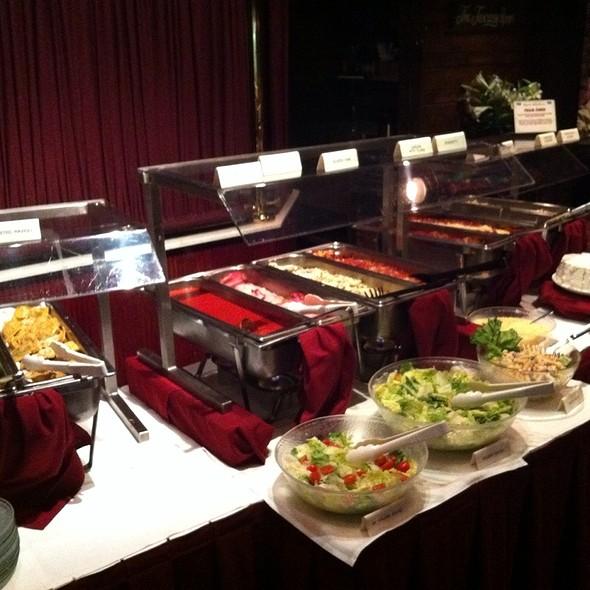 Italian buffet - V's Italiano Ristorante, Independence, MO