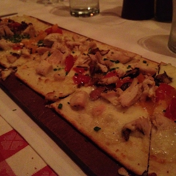 Grilled Chicken Flatbread @ Maggiano's Little Italy