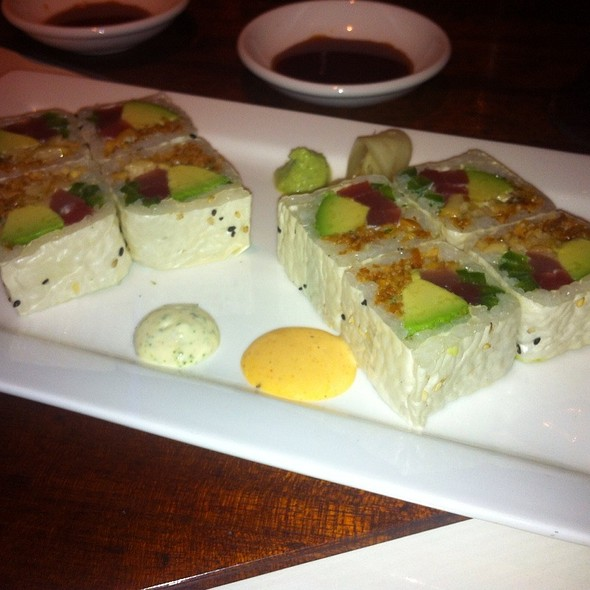 Thai Tuna Roll @ Hillstone