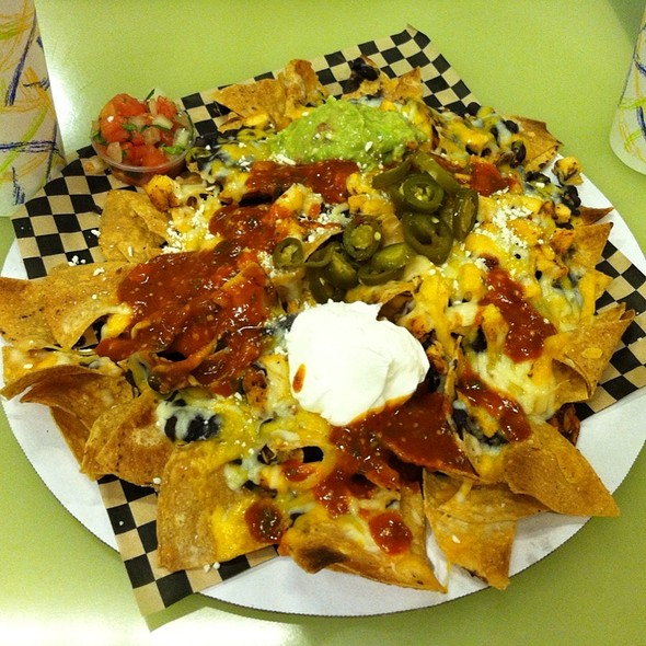 Nacho Grande @ Sharky's Woodfired Mexican Grill