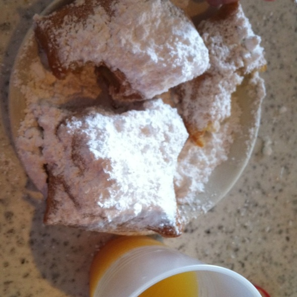 Biegnets and OJ @ Cafe Du Monde Coffee Stand: French Market