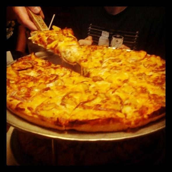 Hawaii Five-O @ Mother Bear's Pizza