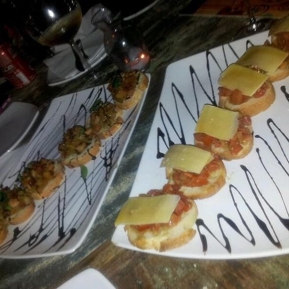 Bruschettas @ sacra rolha champanharia e wine bar