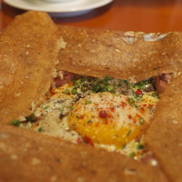 Egg, cheese, pork sausage, mushroom galette @ Pophot