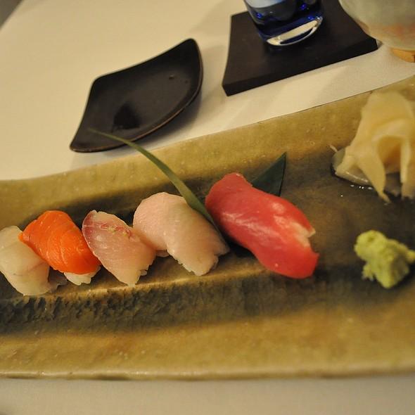 寿司盛り合わせ @ Kiss Seafood Japanese Restaurant