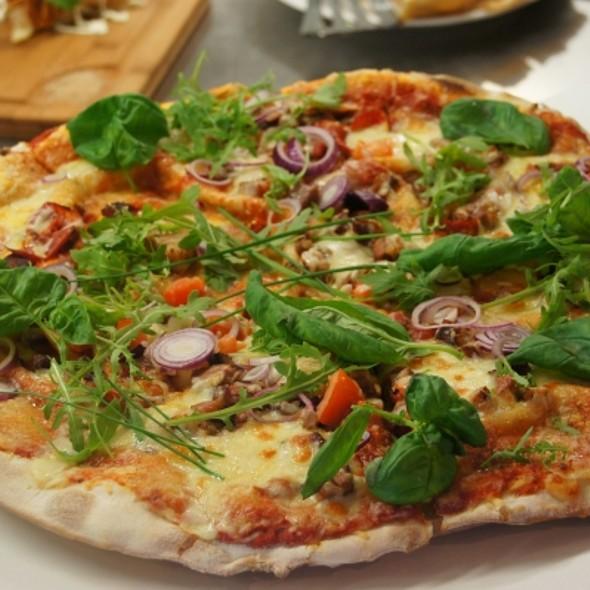 Pizza @ Tondi Resto