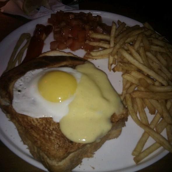 Croc Burger @ דיקסי - DIXIE גריל בר