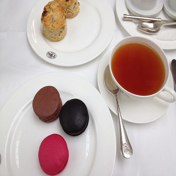 French Macarons: Assorted Flavors @ TWG Tea Salon & Boutique @ Marina Bay Sands