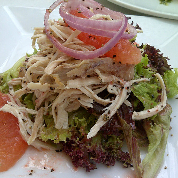 Chicken, Ruby Grapefruit And Avocado Salad @ The Apartment KLCC
