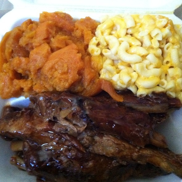 Bbq Ribs With Mac And Cheese And Candied Yams @ Southern Girls Soul Food