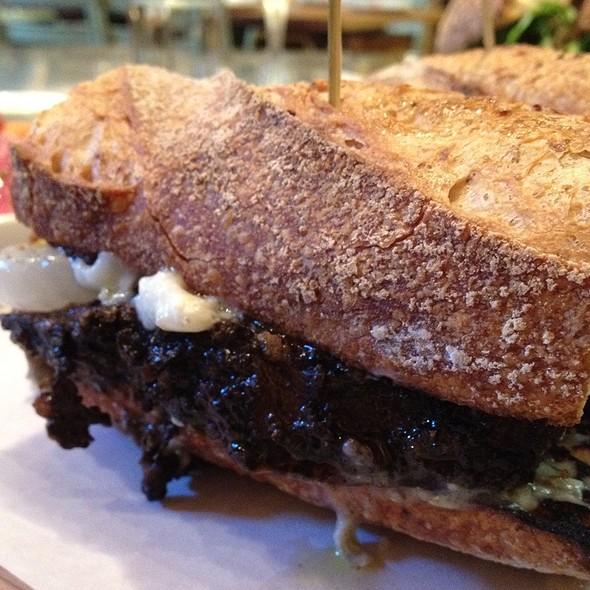 Braised Short Rib Sandwich @ il buco alimentari & vineria