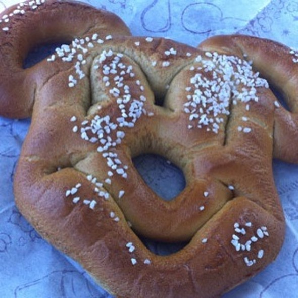 Mickey Pretzel @ Walt Disney World Resort
