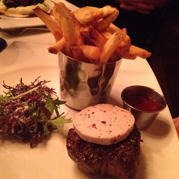 Filet Minion @ Rat's Restaurant