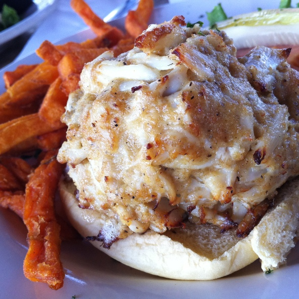 Crab Cake Sandwich @ Nicks Fish House