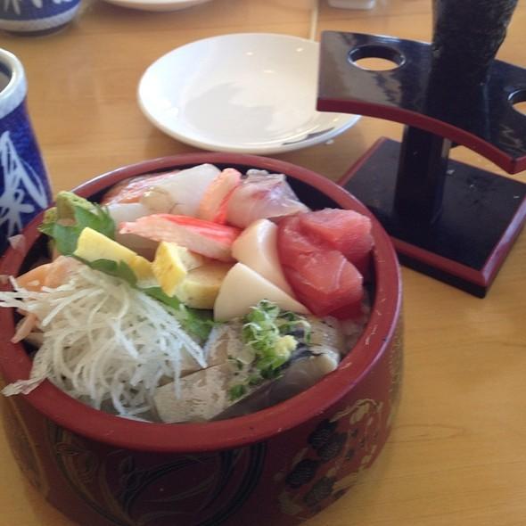 Chirashi Sushi Lunch @ Sushi Sono
