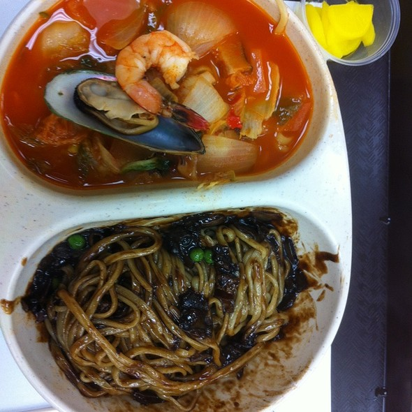 JjaJangMyun & JjamBbong @ Tian Chinese Restaurant (Inside Lotte)
