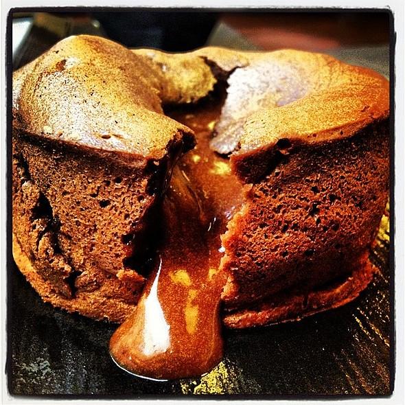 #dark #chocolate #fondant #dessert #nogarlicnoonions  #lebanon #igerslebanon #igersbeirut @ Le Sushi Bar
