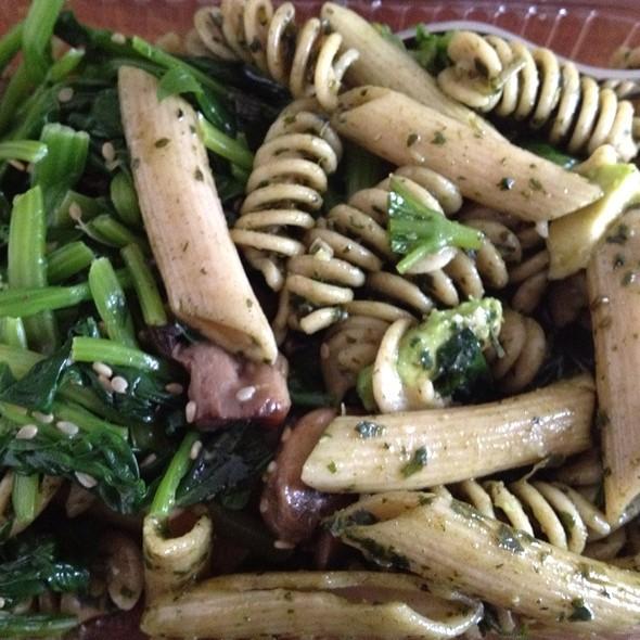Organic Pesto Penne Salad @ Jaks