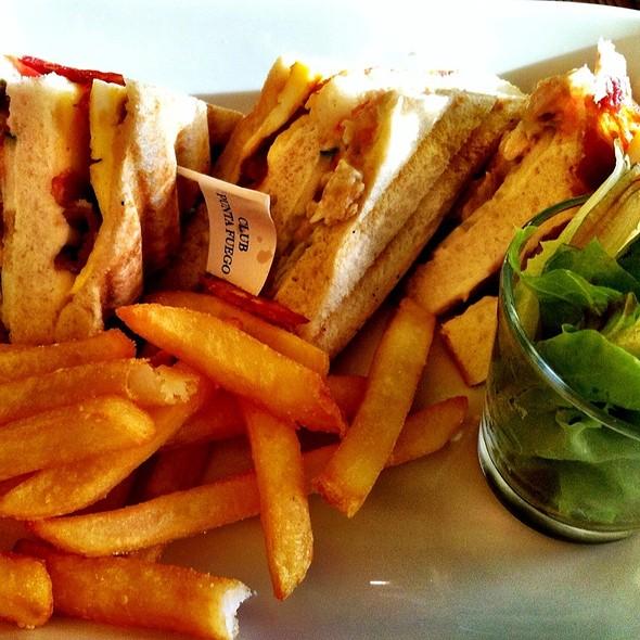 Clubhouse Sandwich @ San Diego, Punta Fuego