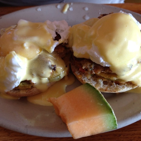 Low Country Eggs Benedict @ Cafe Strudel