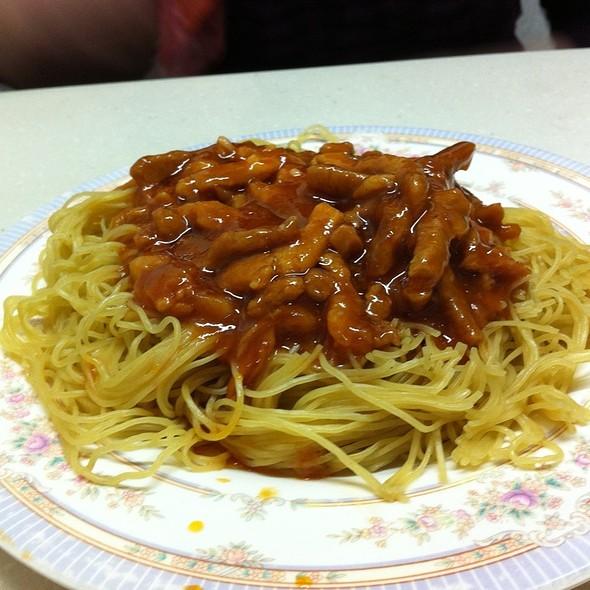 炸醬撈麵 @ 麥文記麵家 Mak Man Kee Noodle Shop