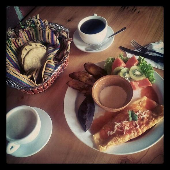 Omellette @ Restaurante Paseo Xejasmin