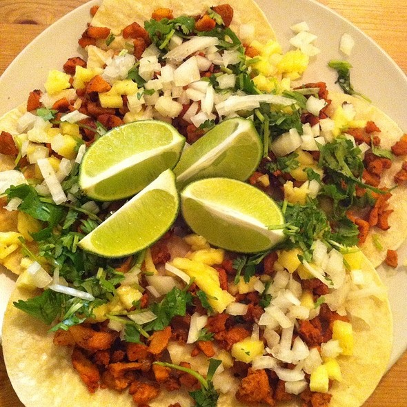 Tacos al Pastor @ Chez Frida
