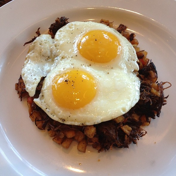 J&B Breakfast Hash @ District Commons