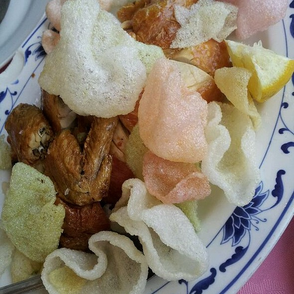 Fried chicken with shrimp chips @ Town Sent Seafood Restaurant