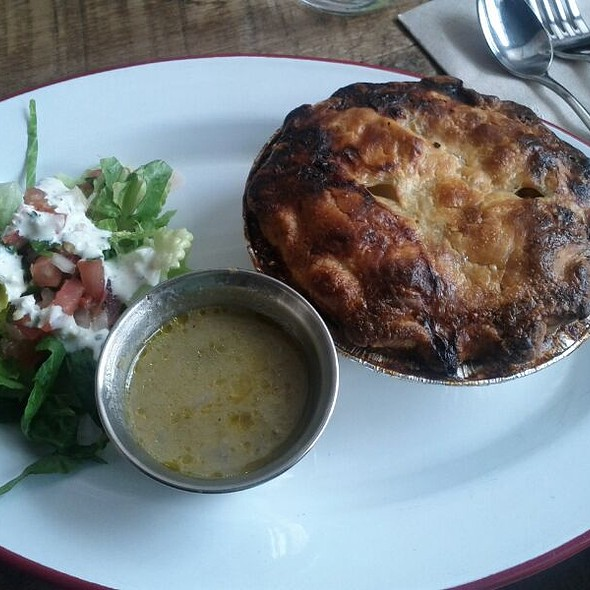 Homemade Green Chile Chicken Pot Pie @ Chile Pies
