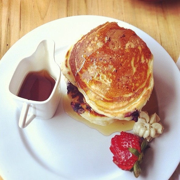 Short Stack Buttermilk Pancakes @ Kerr Street Cafe