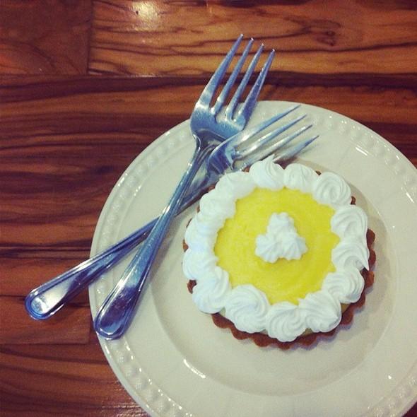 lemon tart @ Café Fiorentina