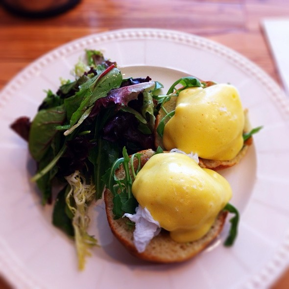 Duck Eggs Benedict With Arugula And Caramelized Onions @ Café Fiorentina